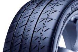 Všechny nové vozy Mercedes-Benz SLS AMG Coupé Black Series budou obuté do pneumatik MICHELIN Pilot Sport Cup 2