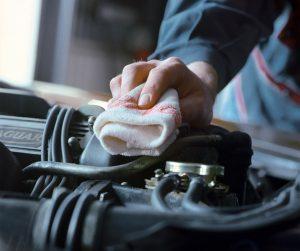 Čistiace utierky pre oblasť automobilového priemyslu