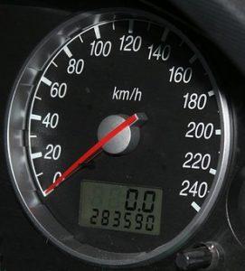 Stočené auto si kúpite i v bazáre stačí, keď predaj iba sprostredkuje