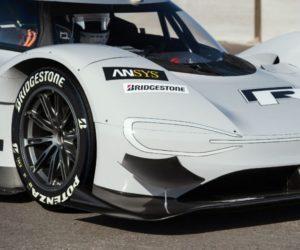 VW bude usilovať o rekord medzi elektromobily na pneumatikách Bridgestone