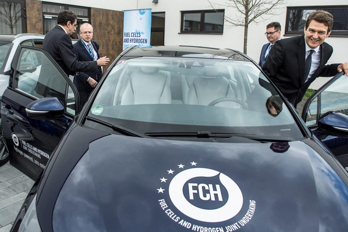 Vodíkový elektromobil zero emission