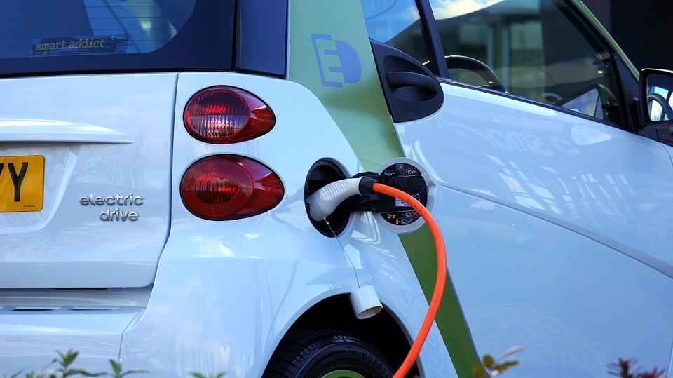 Na Slovensku je v ponuke výrazne viac ojazdených hybridov a elektromobilov