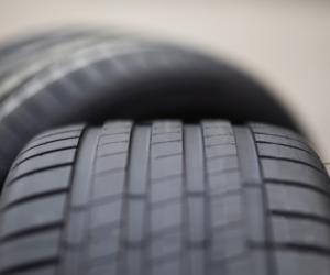 Bridgestone predstavuje Enliten, novú technológiu ľahkých pneumatík