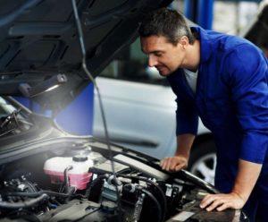 Efektívne pracovné osvetlenie pre automechanikov