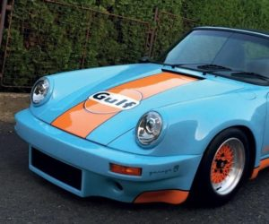 Porsche 911 v legendárnych farbách Gulf racing v kalendári Masterpieces 2020