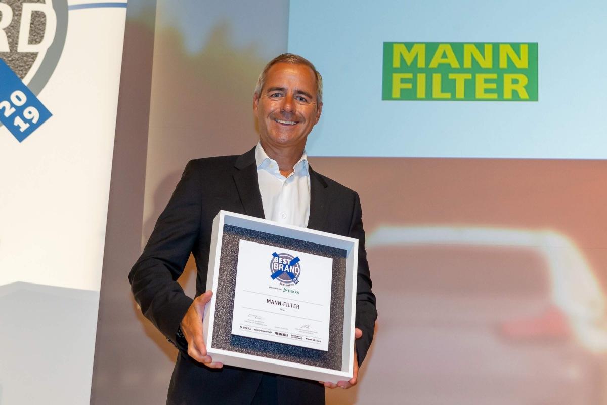 """Značka MANN-FILTER vyhrala už po ôsmej ocenenie """"ETM Best Brand 2019"""""""