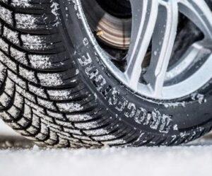 Bridgestone Blizzak LM005 je vítězem testu zimních pneumatik ADAC 2020