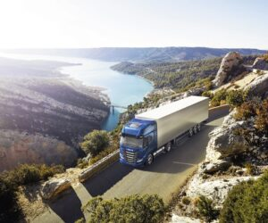 "IVECO S-Way NP 460 získava ocenenie ""Sustainable Truck of the Year 2021"""