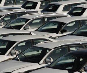 Registrace osobních automobilů: -23,7 % v roce 2020; -3,3 % v prosinci