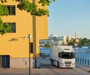 Počet nákladních vozidel s nulovými emisemi se musí zvýšit. Několikanásobně