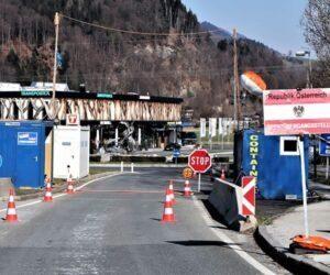 Hraniční kontroly mohou narušit provoz automobilových továren