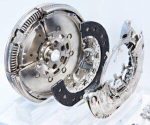 Štyri chyby automechanikov, ktoré ničia spojku